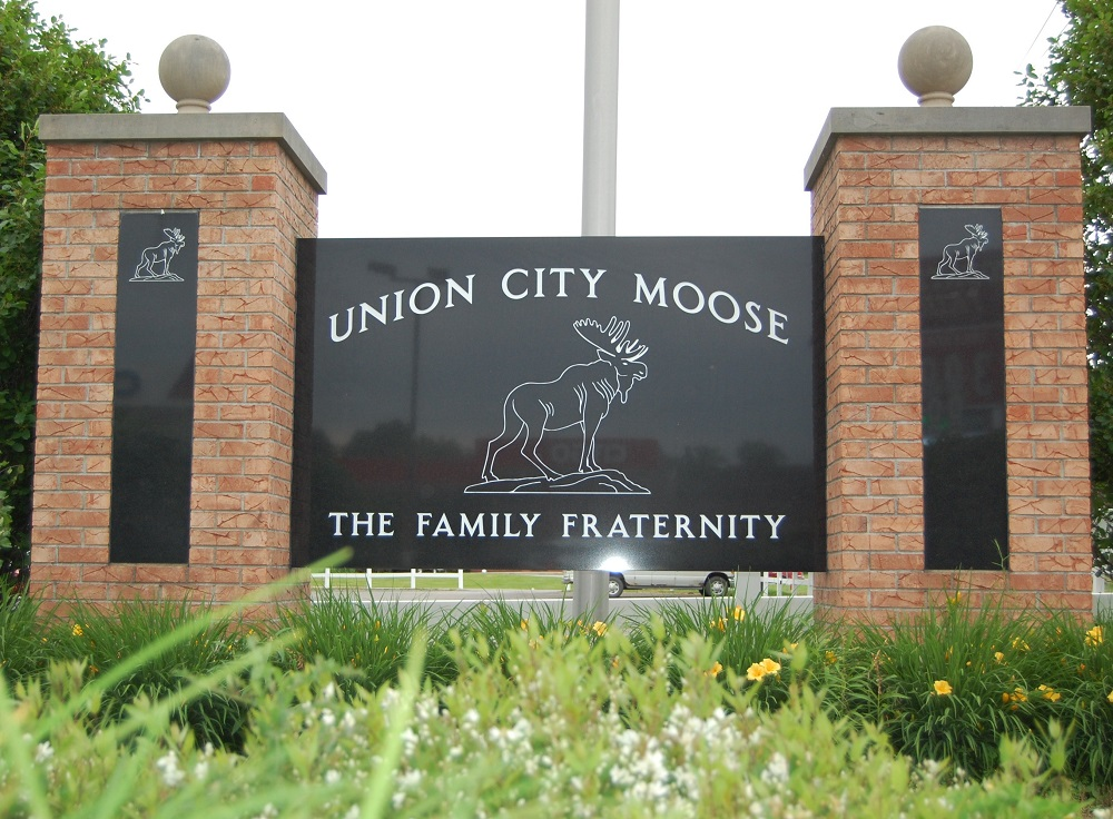 Union City Moose Lodge #882 SIgn
